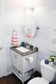 Vanity Small Bathroom by Best 20 Striped Bathroom Walls Ideas On Pinterest Stripe Walls