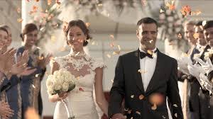 wedding in wedding in the skies on burj al arab helipad