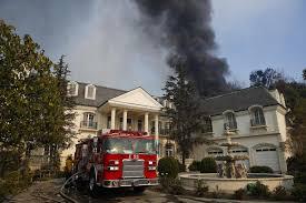 en fotos voraces incendios en el sur de california amenazan al