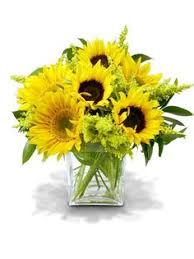 Centerpieces With Sunflowers by Sunflower Centerpieces With Wooden Bases Centerpieces