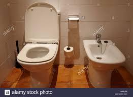 chambre d hote salou toilettes et bidet dans une chambre d hôtel salou catalogne