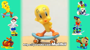 kinder surprise looney tunes active winter sports 2009 tweety