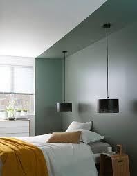 chambre en alcove délimitation alcôve avec un aplat de peinture en tête de lit