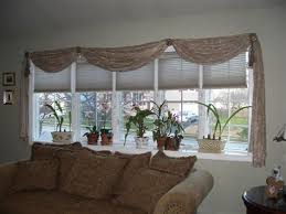 Windows Treatment Ideas For Living Room by Best 25 Bow Windows Ideas On Pinterest Bow Window Treatments