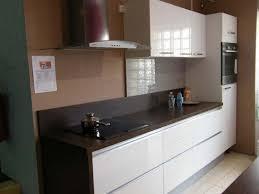 peinture pour cr馘ence cuisine cuisine avec credence inox 5 quelle peinture pour une cuisine