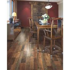mohawk grand 7 1 2 x 47 1 4 laminate flooring 17 18 sq