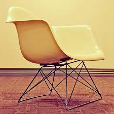 Shell Chair How Charles And Ray Eames U0027 U201cshell Chair U201d Is Constructed In 12 Gifs