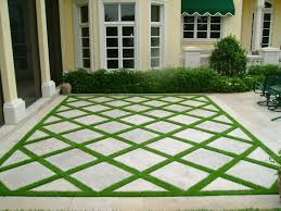 Backyard Stone Ideas Best 25 Backyard Pavers Ideas On Pinterest Pavers Patio Cost