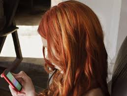 natural red hair with highlights and lowlights red hair with blonde highlights are an attention grabbing look