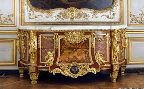 chambre louis xvi incontournables du mobilier