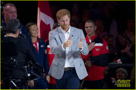 Meghan Markle And Prince Harry Meghan Markle Cozies Up To Prince Harry At Invictus Games Photo