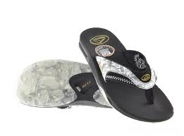 reef fanning flip flops womens mens reef fanning flip flops black and white reef sandals and