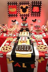 mickey mouse table l mickey mouse sweet table mickey birthday party pinterest