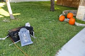 Halloween Chasing Ghost Projector by Party To Partly Crunchy Mama Halloween Wrap Up