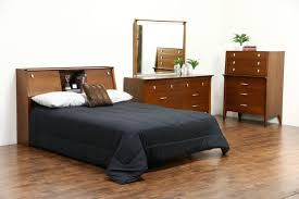 Mid Century Modern Furniture Stores by Modern Home Furniture Tags Black Modern Bedroom Furniture Mid