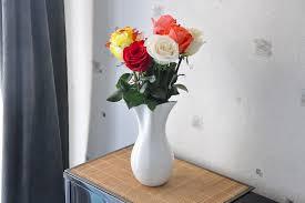 Vase Deco Une Déco Fantaisiste Avec Un Vase Décoratif Qui Sort De L U0027ordinaire