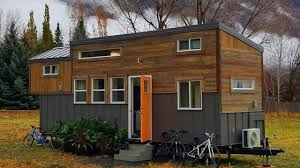 the brown bear tiny house 325 sq ft tiny house design ideas