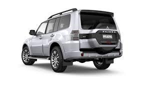 comparison ford explorer sport 2017 vs mitsubishi pajero glx