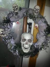 How To Make Halloween Wreaths by A Fun Halloween Wreath The Spring Mount 6 Pack
