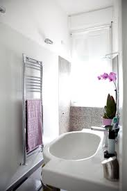 scopate nella doccia spazi ristretti 7 idee per arredare un bagno piccolo donna moderna