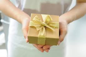 gifts ready to go simple and classy ways to give her a gift