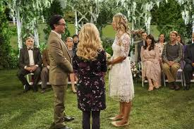 how many people like penny on the big bang theory new hair leonard hofstadter johnny galecki and penny kaley cuoco the