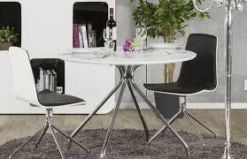 table de cuisine ronde table de cuisine ronde blanc mat pièce à vivre