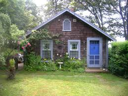 Small Vacation Cabins Small Cottage Woods Hole Ra89828 Redawning