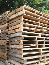 How To Build A Rabbit Hutch Out Of Pallets 227 Best De Construct Images On Pinterest Balcony Home Decor