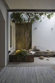 Interior Courtyard Best 25 Modern Courtyard Ideas On Pinterest Atrium Garden