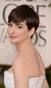pictures on short hairstyle for oval shaped face undercut hairstyle