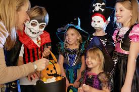 where to get affordable last minute halloween costumes spending