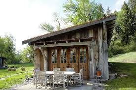 airbnb nashville tiny house 10 tiny log houses you can rent