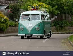 vw volkswagen van classic vw volkswagen spit screen 21 window camper van bus action