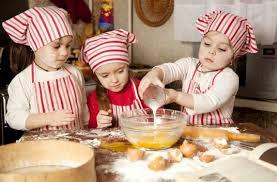 cuisine avec enfant cuisiner avec les enfants découvrir en s amusant découvrir