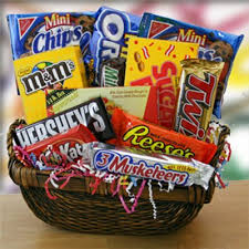 candy gift baskets candy gift basket candygiftbasket