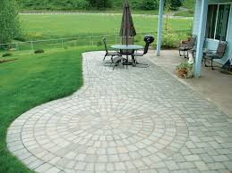 Backyard Pavers Cost by Best 25 Paver Stones Ideas On Pinterest Backyard Pavers Cost