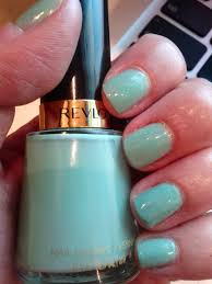 lipgloss break nail polish