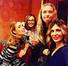 chanel si e social ilary blasi al teatro dell opera di roma con chanel la sorella e la