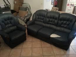 canapé et fauteuil en cuir recyclage objet récupe objet donne canapé fauteuil cuir à