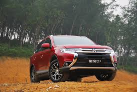 mitsubishi outlander test drive review autoworld com my
