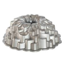 amazon com nordic ware platinum collection blossom bundt pan