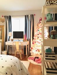 White Christmas Tree With Black Decorations Decorating A Teen Room For Christmas Black White Gold And Pink
