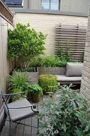 Backyard Planter Designs by Best 20 Small City Garden Ideas On Pinterest Small Garden