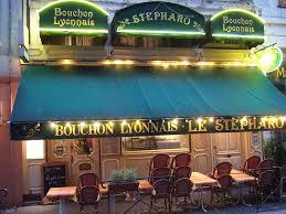 bac pro cuisine lyon lyon style sausage cooked in beaujolais or saucisson lyonnais au