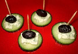 canapé apéro facile canapés de concombre roquefort et olives