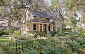 cottage homes sale a victorian cottage for sale in pasadena hooked on houses