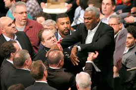 Michael Duncan Clark Bench Press Security Drags Charles Oakley Out Of Knicks Game In Unreal Scene