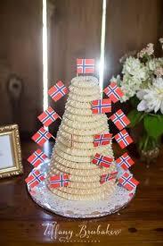 whimsical seattle wedding norwegian wedding wedding cake photos