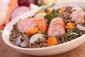 cuisiner les lentilles recette de saucisses aux lentilles du puy